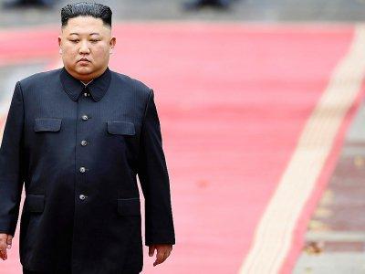 Le dirigeant nord-coréen Kim Jong Un lors d'une cérémonie d'accueil au palais présidentiel à Hanoï, le 1er mars 2019 - MANAN VATSYAYANA [POOL/AFP]