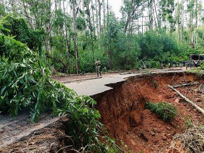 les dégâts du cyclone Idai à Chimanimani, au Zimbabwe, le 18 mars 2019 - Jekesai NJIKIZANA [AFP]