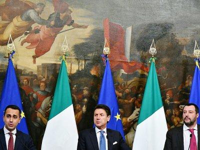 De gauche à droite: Luigi Di Maio, Giuseppe Conte et Matteo Salvini, le 17 janvier 2019 à Rome    Alberto PIZZOLI [AFP/Archives]