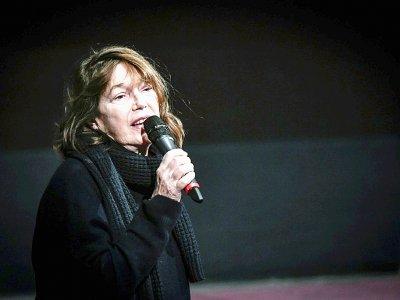 Jane Birkin chante en hommage à Agnès Varda lors d'une cérémonie à la Cinémathèque française, le 2 avril 2019 - STEPHANE DE SAKUTIN [AFP]