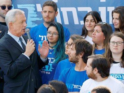 Le général à la retraite Benny Gantz, lors d'un meeting de campagne, le 8 avril 2019 à Tel-Aviv    JACK GUEZ [AFP]