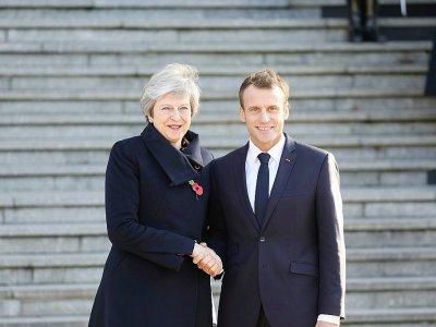La Première ministre britannique Theresa May  et le président français Emmanuel Macron à Albert, le 9 novembre 2018 dans la Somme - LUDOVIC MARIN [AFP/Archives]