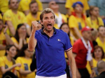 L'entraîneur de l'équipe de France de Fed Cup Julien Benneteau lors de la demi-finale contre la Roumanie, le 21 avril 2019 à Rouen    Geoffroy VAN DER HASSELT [AFP]