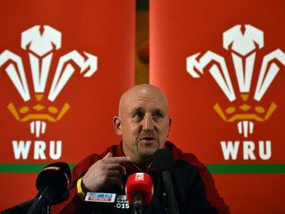 Shaun Edwards, entraîneur adjoint du XV gallois, en conférence de presse, le 27 septembre 2015 à Cardiff    GABRIEL BOUYS [AFP/Archives]