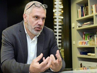 Pegor Papazian, l'un des responsables de l'école Tumo, lors d'une interview avec l'AFP, le 12 mars 2019 à Erevan, en Arménie    KAREN MINASYAN [AFP]