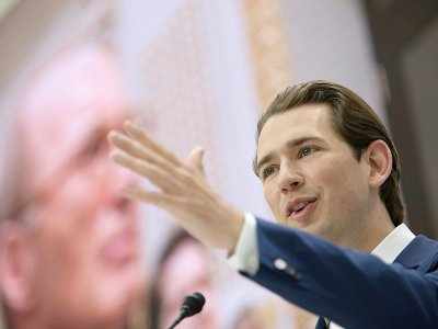 Le chancelier conservateur autrichien  Sebastian Kurz pendant une réunion électorale du Parti populaire autrichien (ÖVP) le 4 mai 2019 à Vienne - ALEX HALADA [AFP/Archives]