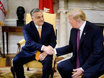 Le président hongrois Viktor Orban reçu à la Maison Blanche par son homologue américain Donald Trump, le 13 mai 2019    Brendan Smialowski [AFP/Archives]