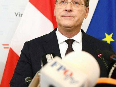 Le vice-chancelier autrichien Heinz-Christian Strache lors d'une conférence de presse à Vienne le 18 mai 2019 après la divulgation d'une vidéo tournée il y a deux ans à Ibiza le compromettant    HANS PUNZ [APA/AFP]