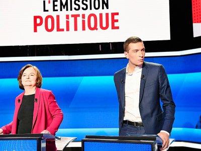 Nathalie Loiseau et Jordan Bardella, au coude à coude dans les sondages, ici le 4 avril 2019 sur le plateau de France 2 - BERTRAND GUAY [AFP/Archives]