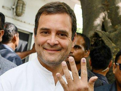 Le président du parti du Congrès, Rahul Gandhi, à la sortie du bureau de vote, le 12 mai 2019 à New Delhi - Sajjad HUSSAIN [AFP/Archives]