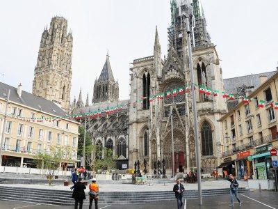 Le nouvel aménagement de la place de la Calende à Rouen.    Clémence Hervieu