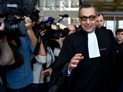 Me Ardavan Amir-Aslani, un des avocats de Laeticia Hallyday, après une audience au tribunal de  Nanterre, le 15 mars 2018    GERARD JULIEN [AFP/Archives]