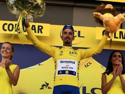 Le Français Julian Alaphilippe toujours en jaune après la 5e étape du Tour de France, le 10 juillet 2019 à Colmar    JEFF PACHOUD [AFP]