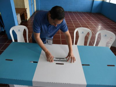 Préparatifs dans un bureau de vote dans la ville de Guatemala, le 10 août 2019    ORLANDO ESTRADA [AFP]