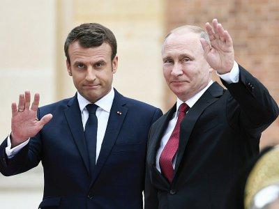 Emmanuel Macron et le président russe Vladimir Poutine à Versailles, près de Paris, le 29 mai 2017    STEPHANE DE SAKUTIN [AFP/Archives]