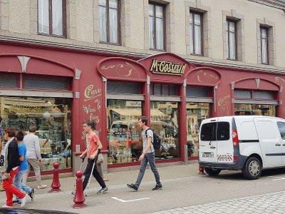 La Maison Gosselin est une épicerie fine réputée située à Saint-Vaast-la-Hougue. - Marthe Rousseau