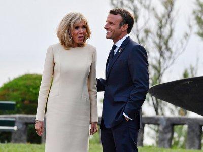 Le président Emmanuel Macron et son épouse Brigitte Macron, le 24 août 2019 à Biarritz    Nicholas Kamm [AFP]