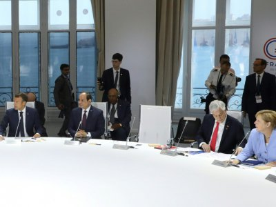 La chaise de Donald Trump, vide, lors d'une réunion du G7 sur le climat, le 26 août 2019 à Biarritz    Ludovic MARIN [POOL/AFP]