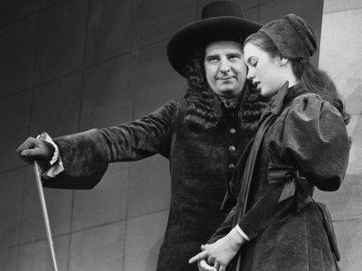 """Michel Aumont et Isabelle Adjani jouent """"l'Ecole des femmes """" de Molière à la Comédie-Française, le 4 mai 1973    - [AFP/Archives]"""