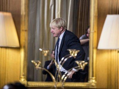 Le Premier ministre britannique Boris Johnson à l'intérieur du 10 Downing street le 30 août 2019    JEREMY SELWYN [POOL/AFP]