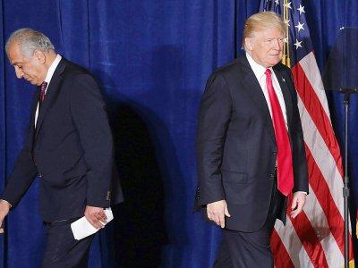 Donald Trump, alors candidat à la présidentielle, et l'actuel négociateur américain Zalmay Khalilzad en avril 2016 à Washington    CHIP SOMODEVILLA [GETTY IMAGES NORTH AMERICA/AFP/Archives]