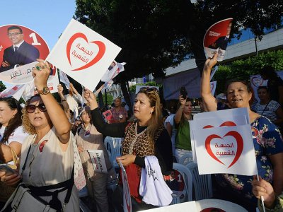 Des partisans du candidat du Front populaire (gauche radicale), Mongi Rahoui, à la présidentielle tunisienne font campagne à Tunis le 13 septembre 2019    FETHI BELAID [AFP]