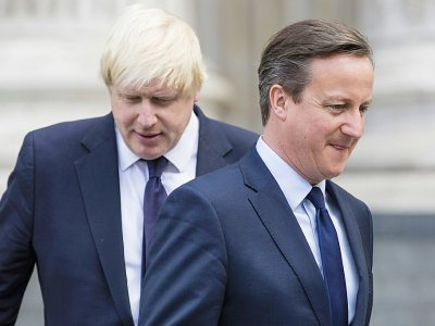 Boris Johnson (g) et David Cameron, alors respectivement maire de Londres et Premier ministre britannique, le 7 juillet 2015 à Londres