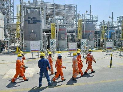 Des employés d'Aramco sur le site de Khurais, le 20 septembre 2019    Fayez Nureldine [AFP]
