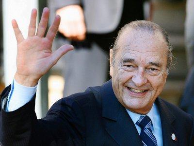 Jacques Chirac en 2007 à Cannes - PATRICK KOVARIK [POOL/AFP/Archives]