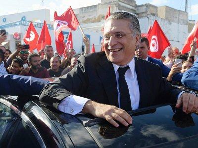 Le candidat à la présidentielle tunisienne Nabil Karoui rencontre ses partisans à Bizerte, dans le nord de la Tunisie, le 11 octobre 2019    FETHI BELAID [AFP]