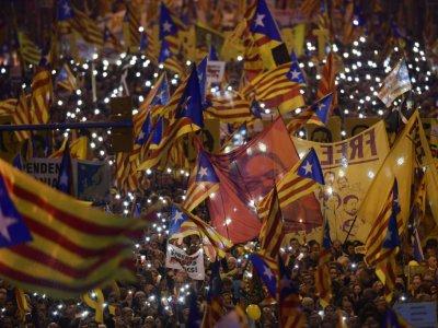 Des indépendantistes catalans manifestent contre le procès intenté à leurs dirigeants, le 16 février 2019 à Barcelone - LLUIS GENE [AFP/Archives]