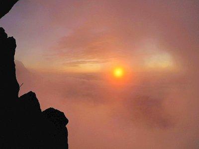 Coucher de soleil sur la Mer de Glace, à Chamonix, le 18 septembre 2019    Eric Feferberg [AFP/Archives]