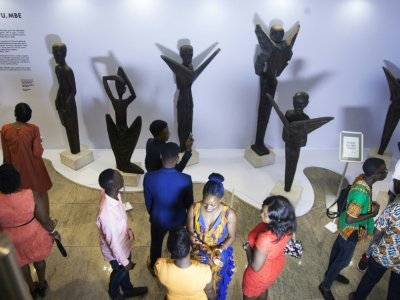 Des visiteurs de la foire internationale Art X à Lagos, le 4 novembre 2017 au Nigeria - EMMANUEL AREWA [AFP/Archives]