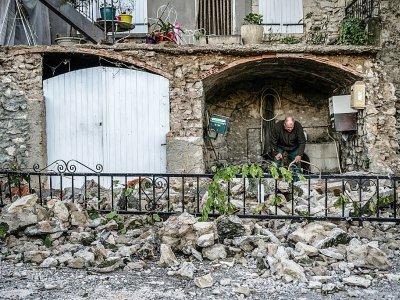 Au Teil (Ardèche) le 12 novembre 2019 au lendemain d'un séisme de 5,4 sur l'échelle de Richter    JEFF PACHOUD [AFP]