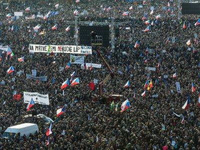 Manifestation contre le Premier ministre Andrej Babis le 16 novembre 2019 à Prague    Michal Cizek [AFP]
