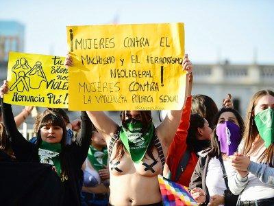 Manifestation contre les violences faites aux femmes à Santiago du Chili, le 25 novembre 2019 - Johan ORDONEZ [AFP]