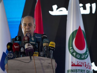 Le ministre irakien du Pétrole Thamer al-Ghadbane lors d'un discours prononcé le 4 septembre 2019 depuis le champ gazier de Roumaila, dans la province méridionale de Bassora    Hussein FALEH [AFP/Archives]
