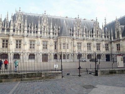 L'escroc récidiviste écope de cinq mois ferme    Tendance Ouest Rouen