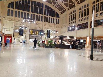 En gare de Rouen (Seine-Maritime) jeudi 5 décembre 2019, au petit matin.