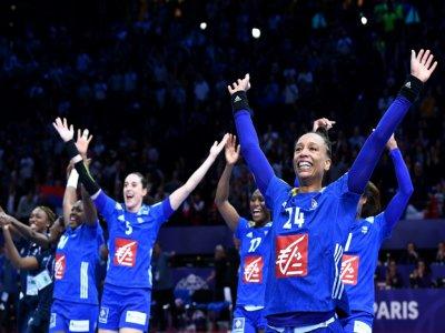 Les joueuses de l'équipe de France de hand, championnes du monde et d'Europe, le 16 décembre 2018 à Paris - FRANCK FIFE [AFP/Archives]