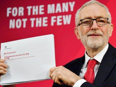 Le leader du parti travailliste britannique Jeremy Corbyn lors d'une conférence de presse à Londres le 6 décembre 2019 - Ben STANSALL [AFP]