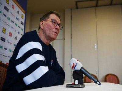 Le sélectionneur de l'équipe de France féminine de handball  Olivier Krumbholz en conférence de presse, le 7 décembre 2019 à Kumamoto au Japon - CHARLY TRIBALLEAU [AFP]