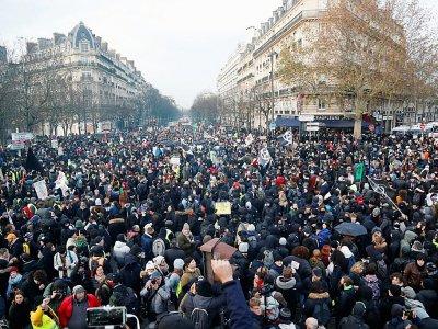 Des manifestants participent à un défilé contre la réforme des retraites, le 10 décembre 2019 à Paris    Zakaria ABDELKAFI [AFP]