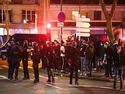 Les forces de l'ordre déployées près du Parc des Princes avant le match de Ligue des champions entre le PSG et Galatasaray, le 11 décembre 2019 à Paris - FRANCK FIFE [AFP]
