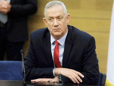 Benny Gantz, à la tête du parti Kahol Lavan et rival du Premier ministre israélien Benjamin Netanyahu, assiste à une réunion de son parti à Jérusalem, le 9 décembre 2019    MENAHEM KAHANA [AFP]