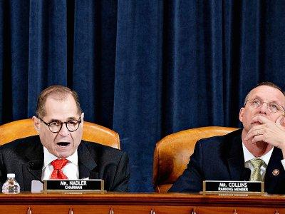 Les parlementaires américains Jerry Nadler (démocrate) et Doug Collins (républicain), lors d'une séance de la commission judiciaire de la Chambre des représentants, à Washington le 12 décembre 2019    Andrew Harrer [POOL/AFP]