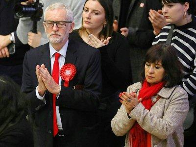 Le leader travailliste Jeremy Corbyn et son épouse Laura Alvarez attendent le résultat des élections britanniques, le 13 décembre 2019 à Londres    ISABEL INFANTES [AFP]