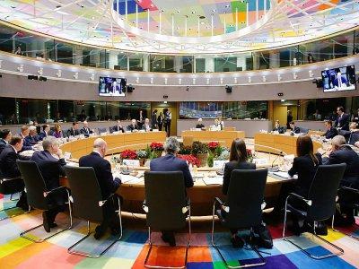 Les membres du conseil européen assistent à une réunion lors du deuxième jour du Sommet de Bruxelles le 13 décembre 2019    Aris Oikonomou [AFP]