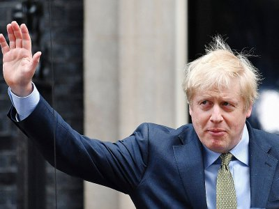 Le Premier ministre Boris Johnson quitte le 10 Downing Street à Londres le 13 décembre 2019 après sa victoire aux élections - Ben STANSALL [AFP]