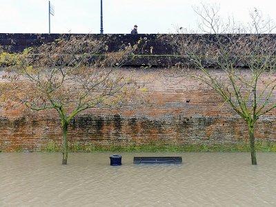 La Garonne en crue, à Bordeaux, le 13 décembre 2013    NICOLAS TUCAT [AFP]